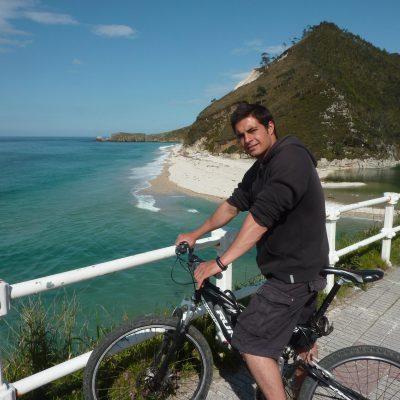Alquiler de bicicletas en Llanes. Playa de San Antolin
